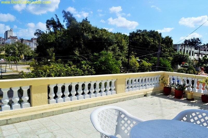 6 balcony casa particular tomasa vedado havana