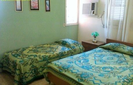 Casa Particular vedado cuba havana Elvira Cheap private bedroom 1