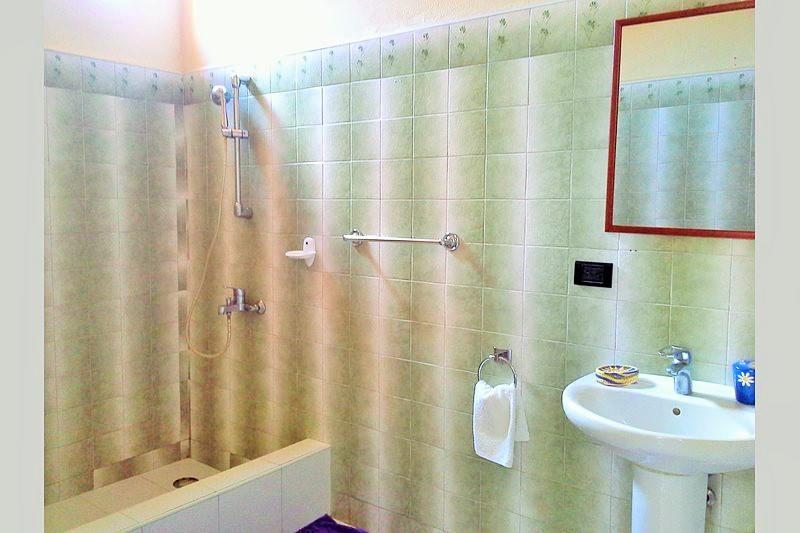 Second en-suite Bathroom