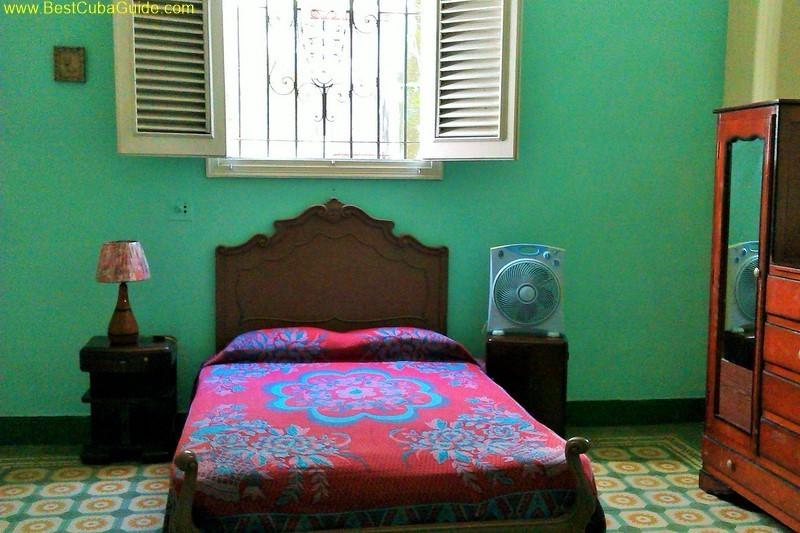 Casa particular vedado havana ivelis leo rampa second bedroom1