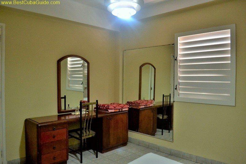 Independent apartment casa particular vedado Havana Ivelis large