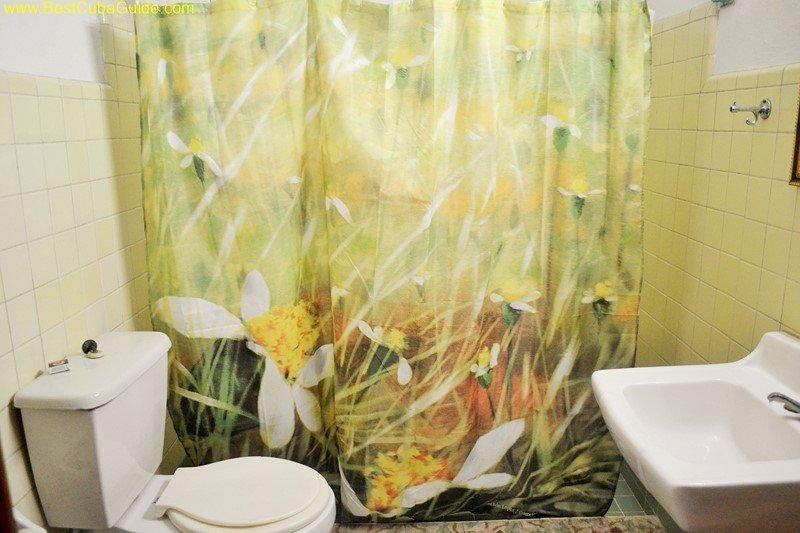 casa particular myrna vedado private bathroom