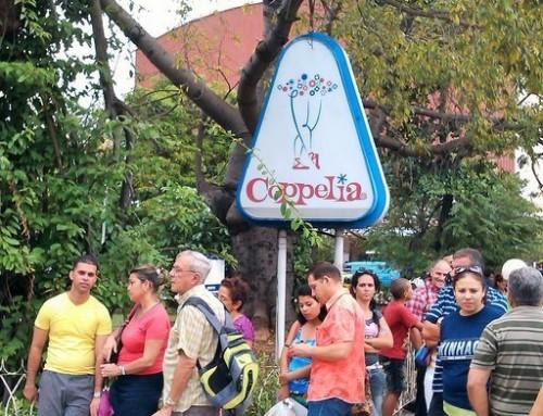 Cheapest ice cream in Cuba – La Coppelia Ice Cream Shop!