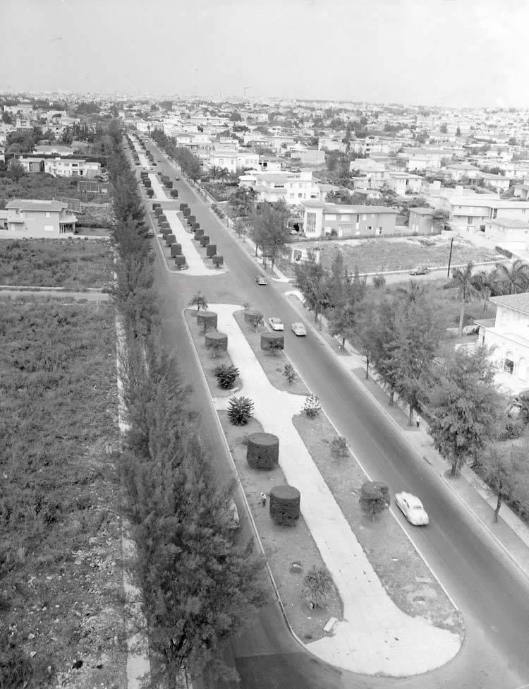 5th Avenue, Miramar, 1950 - 5ta avenida Miramar, La Habana, Ca.1950