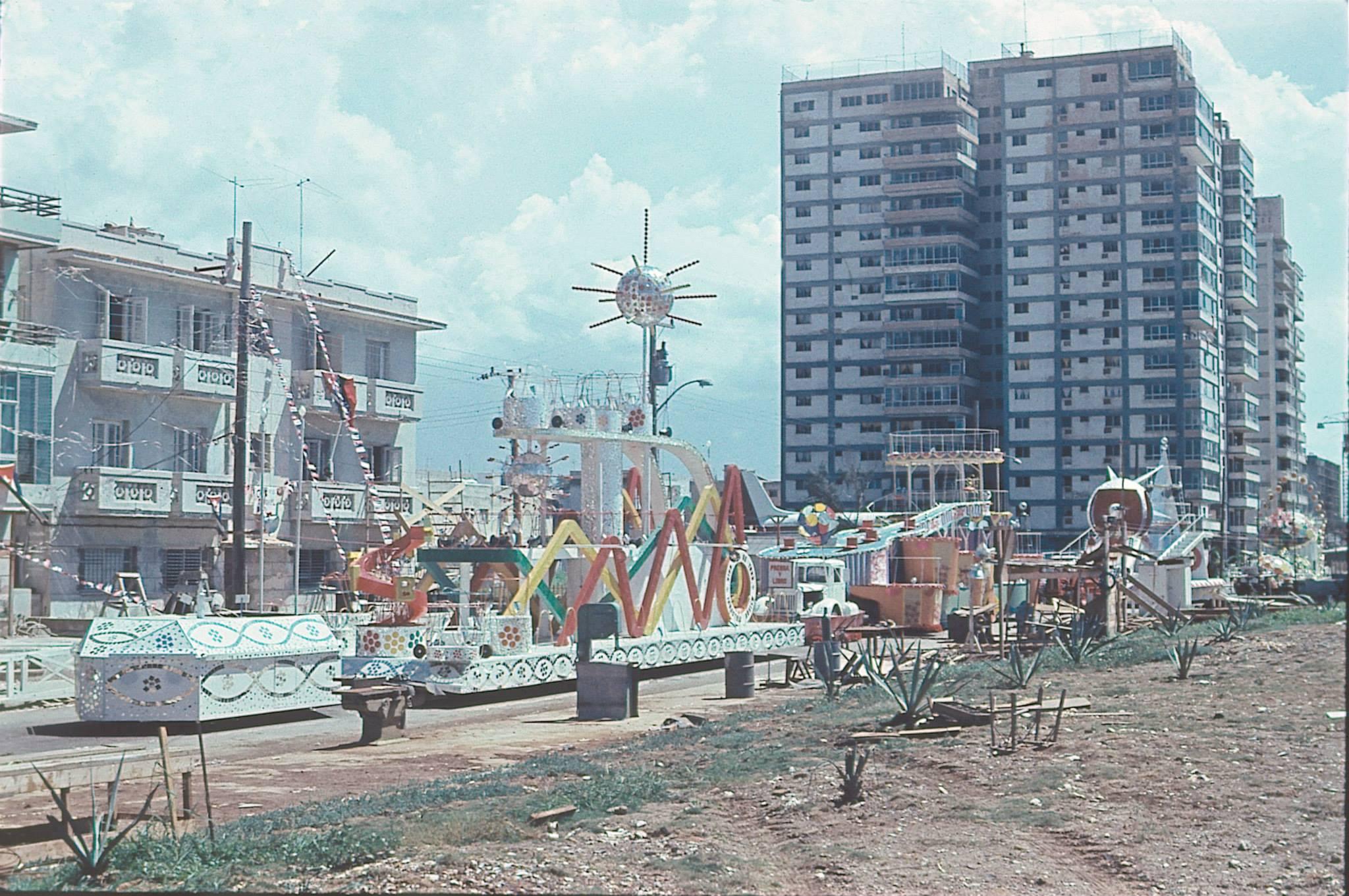 Havana Carnival, 1976 - Carroza de los Carnavales de 1976, Vedado, La Habana