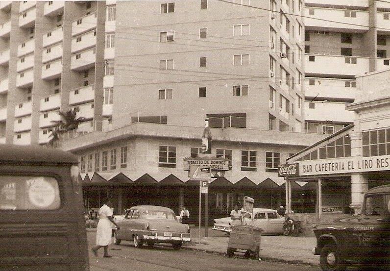 Bajos del Focsa en el Vedado, La Habana ca. 1958 First floor of the Focsa building. 1958