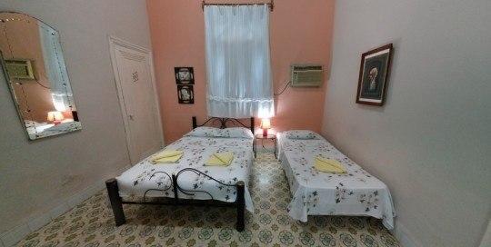 Casa Anabel, independent apartment in Plaza de la revolucion, centro habana, cuba, bedroom