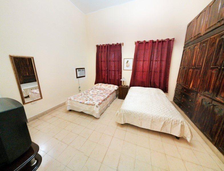casa abraham, private independent apartment in vedado, havana cuba bedroom
